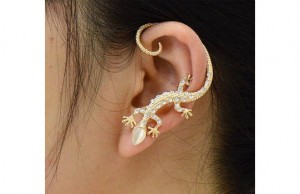 boucle d'oreille margouillat or strass
