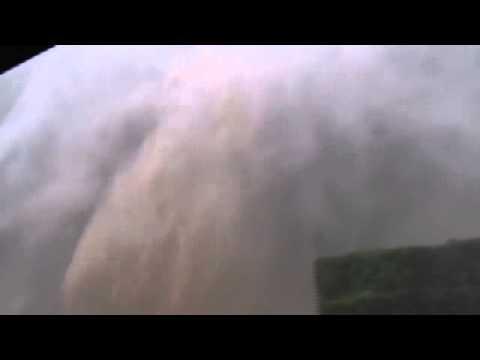 Impressionnante Route du littoral pendant le passage de la tempête Haliba