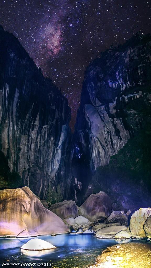 La Chapelle de Cilaos photographiée sous les étoiles