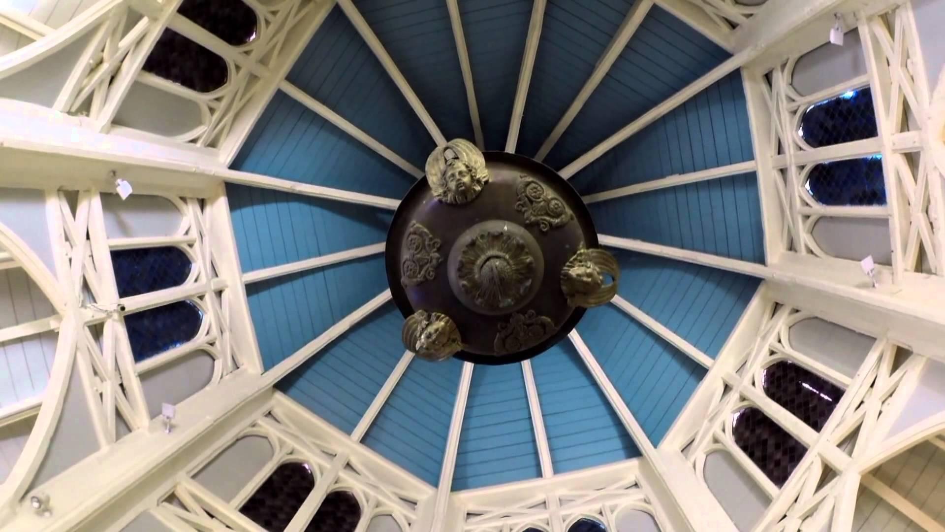 La Chapelle Pointue et le Musée De Villèle, St Gilles les hauts