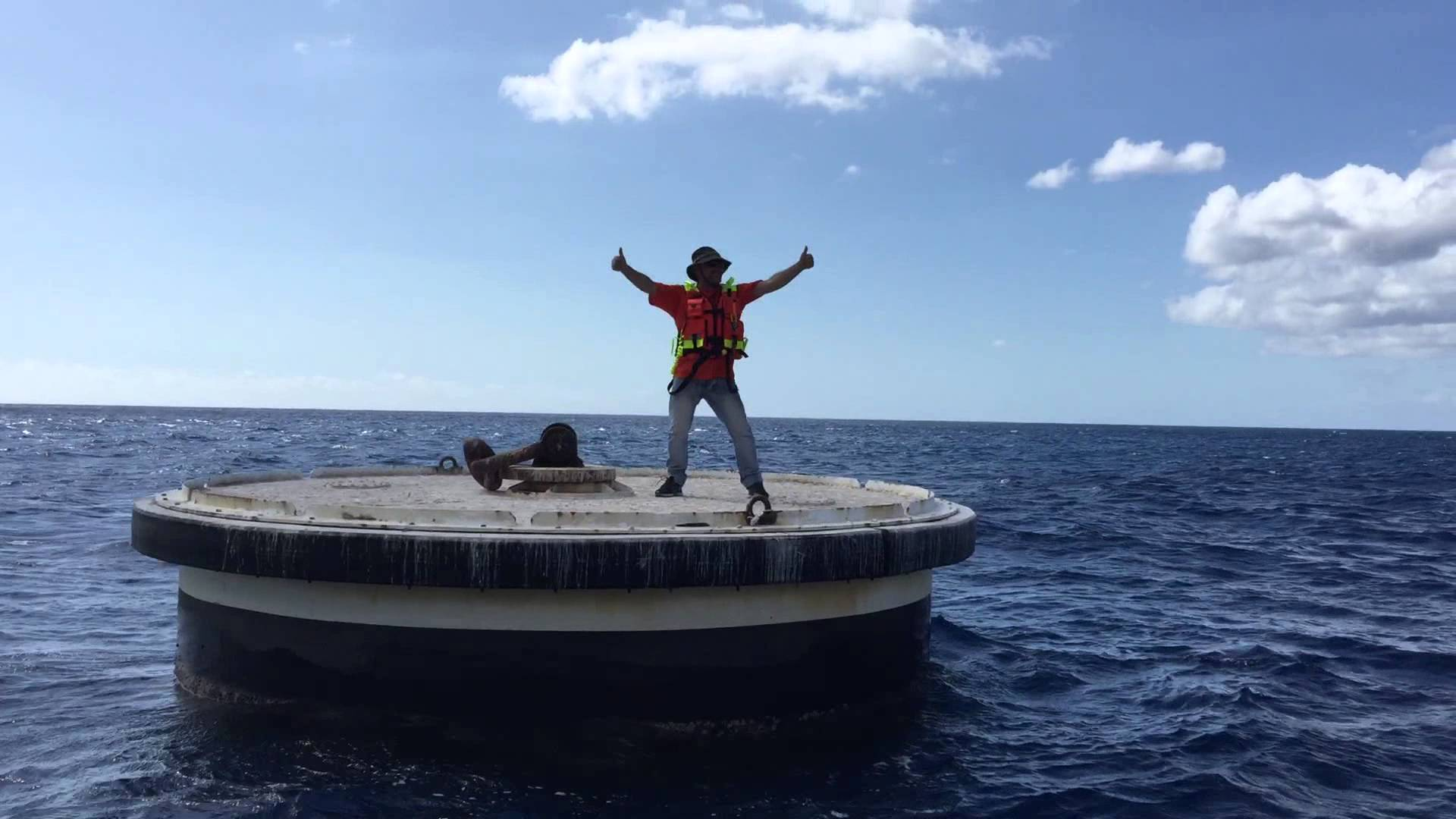 Il est débarqué sur un ilot artificiel dans la baie de Saint Paul