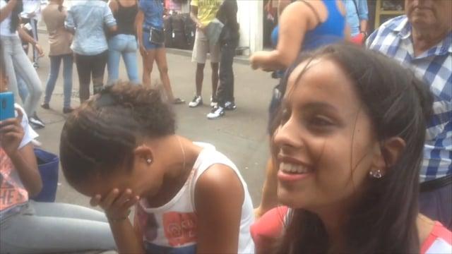 Séance d'hypnose en pleine rue à la Réunion