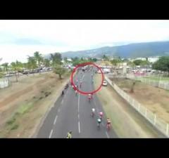 Tour Cycliste Réunion : un spectateur provoque la chute de coureurs