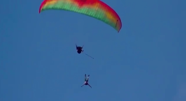 base jump reunion parapente