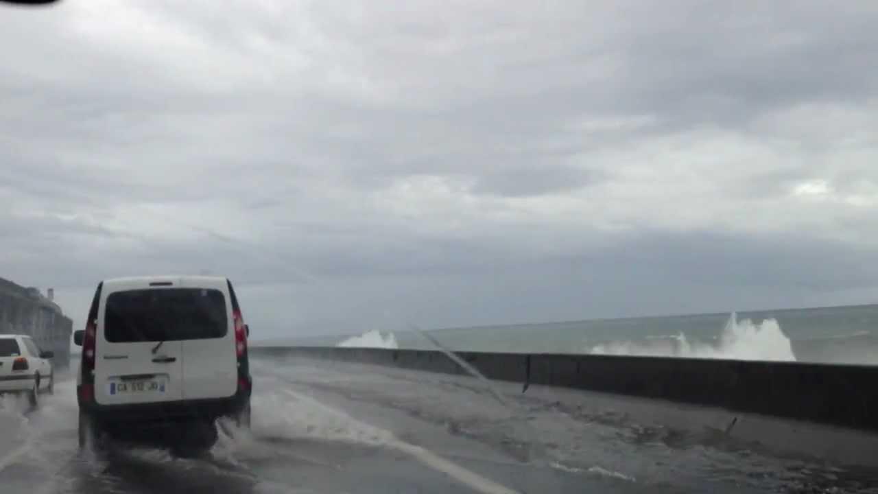 Les 5 vid os de cyclone les plus folles - Les 5 cyclones ...